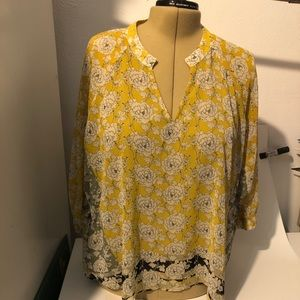 Cabi # 5713 Gather Blouse Size XL  Spring 2020